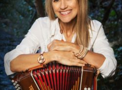 'Galway Girl' Sharon Shannon to perform in Denver March 1st
